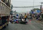 Long An: Xe container cuốn hàng chục xe máy vào gầm, 6 người chết tại chỗ