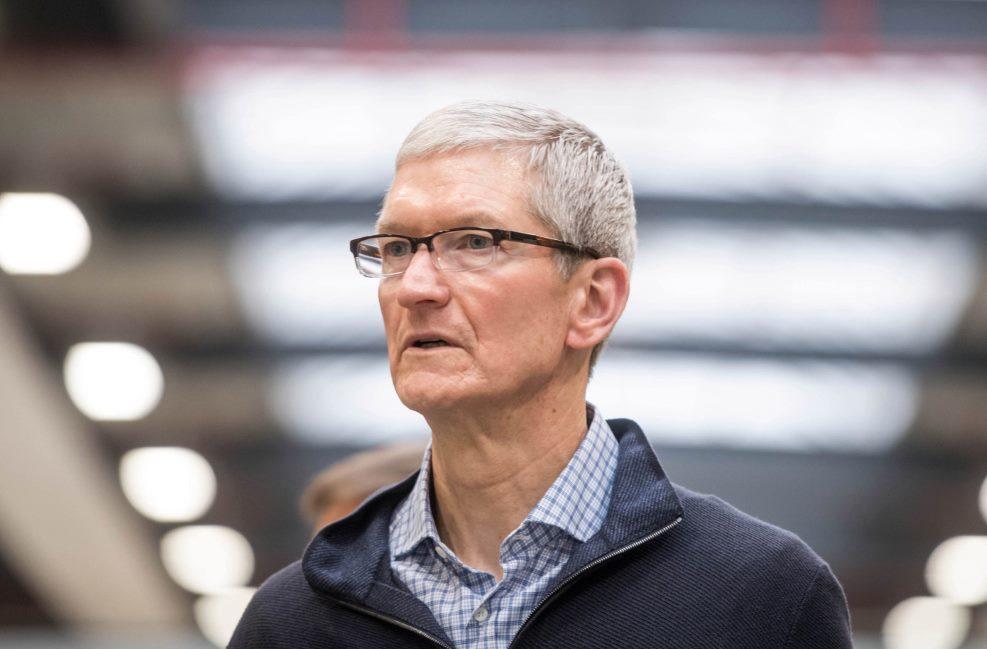 Apple hạ dự báo tăng trưởng, đổ lỗi cho cuộc chiến thương mại