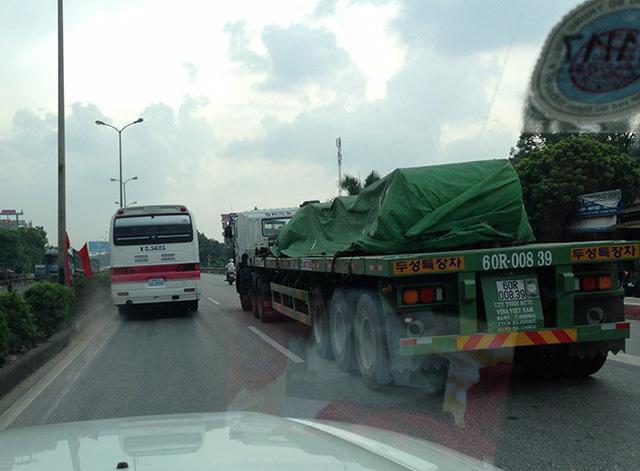 Kinh nghiệm lái xe gần xe container, xe tải cỡ lớn
