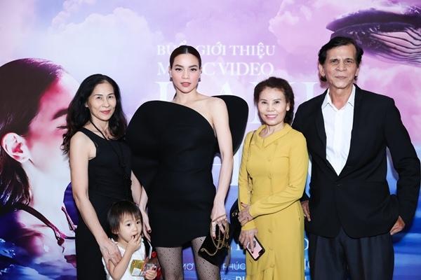 Hà Hồ đóng vai vợ chồng với Kim Lý