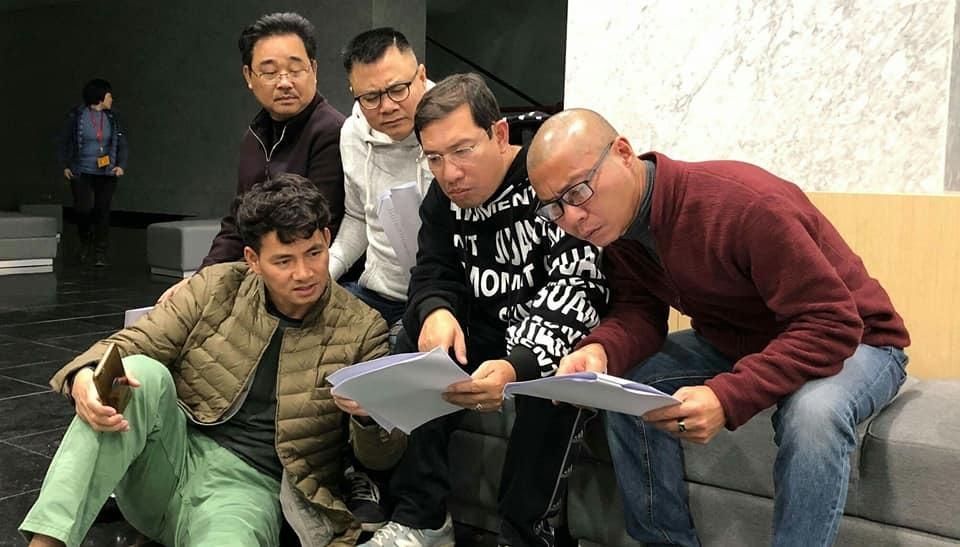 Nghệ sĩ buồn vui lẫn lộn trong buổi tập chính thức đầu tiên của Táo quân 2019