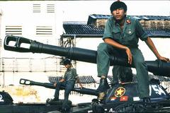 Người Campuchia gọi bộ đội tình nguyện là gì?