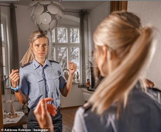 Ngắm nữ cảnh sát xinh đẹp nhất nước Đức