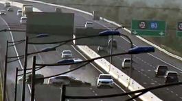 Bất ngờ bị đâm khi dừng xe trên cao tốc