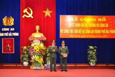 Thiếu tướng Đỗ Hữu Ca nhận quyết định nghỉ hưu