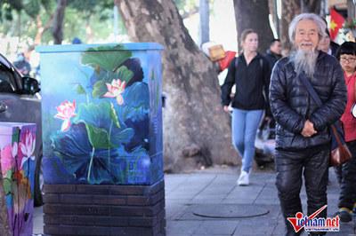 Sửng sốt với hình ảnh mới của hàng loạt bốt điện Hà Nội