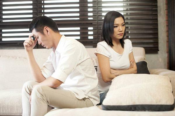 4 dấu hiệu nhận biết viêm lộ tuyến cổ tử cung