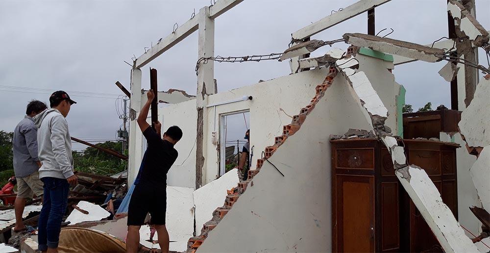 Bão số 1 áp sát miền Tây: Sập nhà, 1 người chết