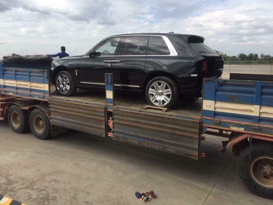 Đại gia Việt chi 2 triệu USD sắm siêu SUV Rolls-Royce chơi Tết