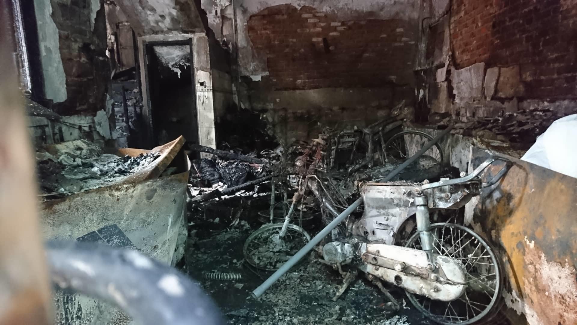 Hà Nội: Cháy nhà lúc rạng sáng, nhiều người nhập viện