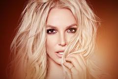 Britney Spears hủy diễn vì cha bệnh nặng