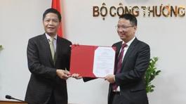 Bộ trưởng Công thương trao quyết định bổ nhiệm nhân sự mới