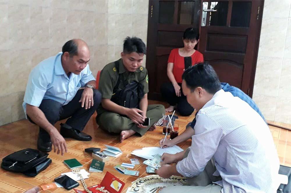 Chủ quán cơm ở Tiền Giang trả 5.000 USD cho khách bỏ quên