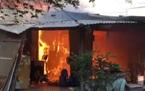 Cháy lớn ở Sài Gòn, 10 phòng trọ và nhà dân bị thiêu trụi