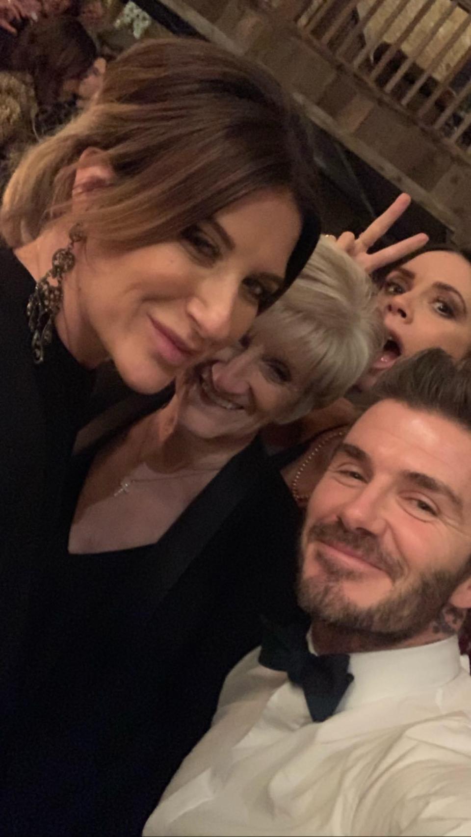 Cuộc sống khó khăn trái ngược của chị gái và David Beckham
