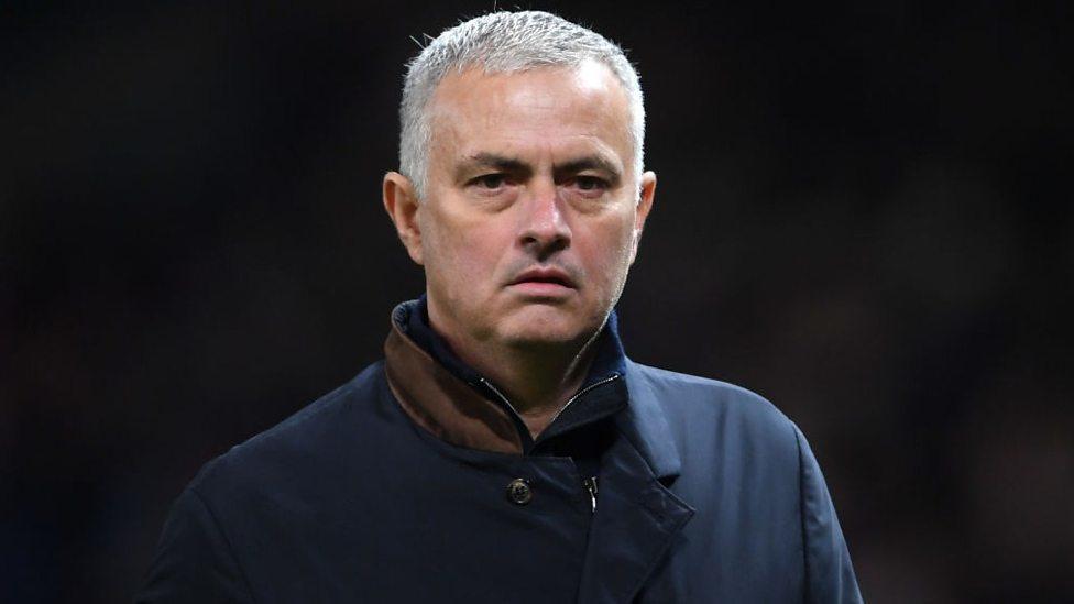 MU lấy Draxler giá rẻ, Mourinho được 4 đội mời