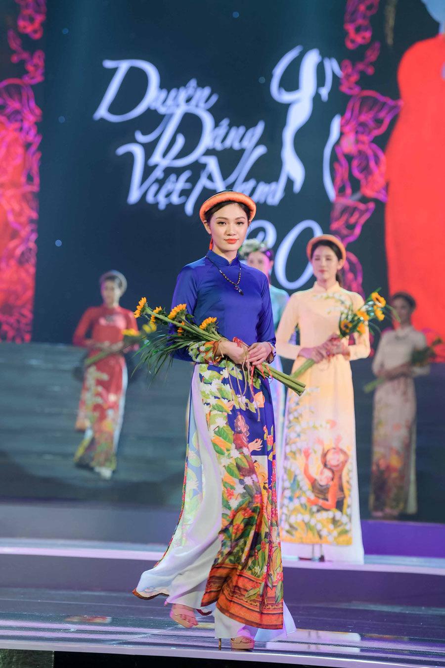 Dàn mỹ nhân Việt mừng Hoa hậu Ngọc Hân ra mắt bộ sưu tập mới