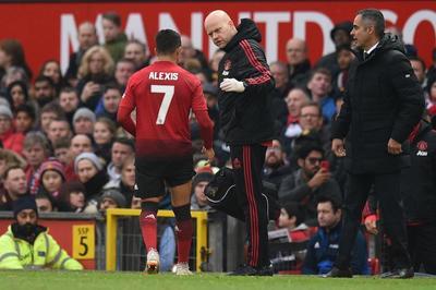 MU lo sốt vó vì chấn thương của Alexis Sanchez