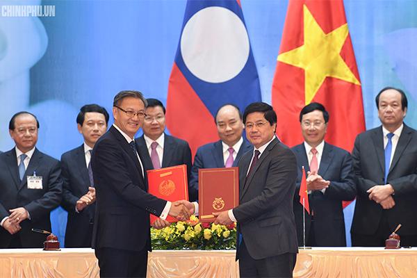 Hai Thủ tướng đồng chủ trì kỳ họp 41 Ủy ban Liên Chính phủ Việt Nam - Lào