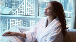 Phạm Hương tung ảnh mặc áo ngủ giữa tin đồn mang bầu 'ở ẩn' tại Mỹ
