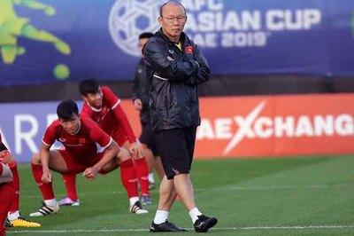 Thầy Park đăm chiêu tính kế chờ đấu Iraq