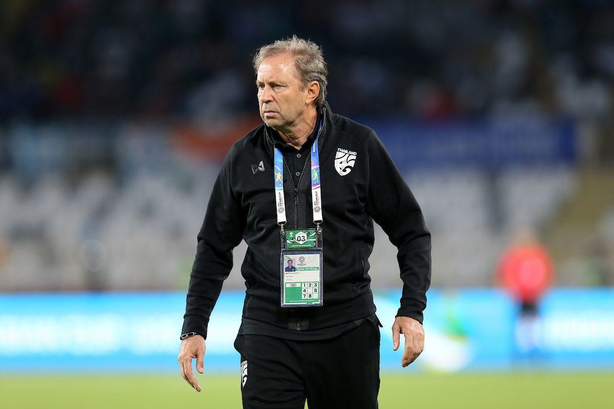 Thua sốc ra quân Asian Cup, Thái Lan sa thải HLV Rajevac
