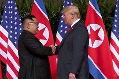 """Ông Trump tiết lộ nhận được """"thư tuyệt vời"""" từ Triều Tiên"""