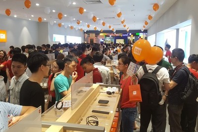 Chinese mobile phones popular in Vietnam, a threat to iPhone's position