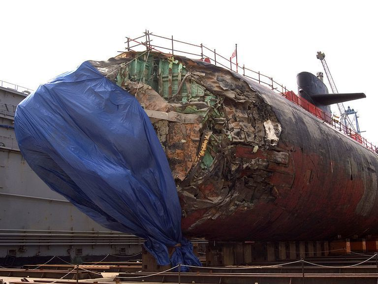 Ngày này năm xưa: Tàu ngầm hạt nhân Mỹ đâm vào núi ngầm
