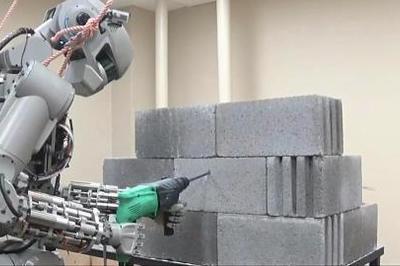 Vietnam's factories using more robots as production