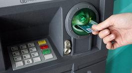 Ngân hàng phải cảnh báo thủ đoạn trộm tiền ngay tại cây ATM