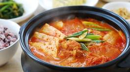 Công thức nấu canh kim chi chuẩn vị Hàn cho mùa đông không lạnh