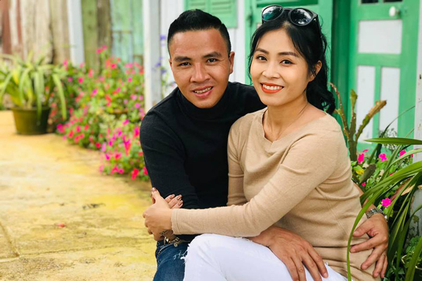 MC Hoàng Linh khoe ảnh hạnh phúc bên chồng sau thời gian 'hờn giận'