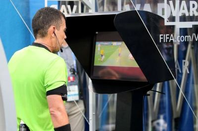 VPF áp dụng công nghệ VAR ở V-League 2019