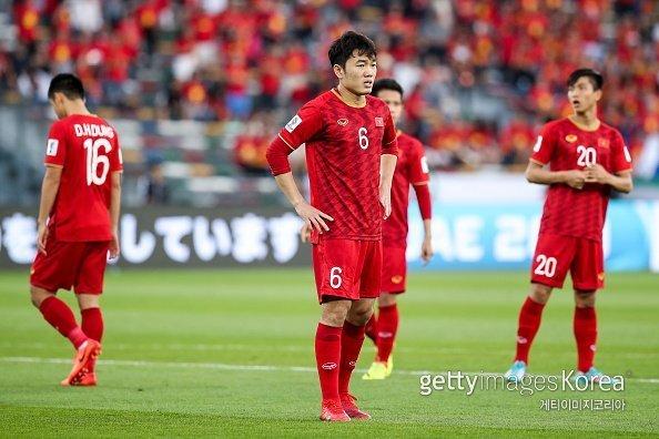 Báo Hàn phân tích gây sốt tuyển Việt Nam sau trận thua Iraq