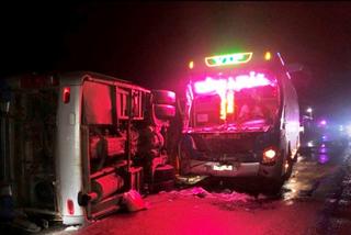 Lại tai nạn: 2 xe khách va nhau trên quốc lộ, 1 người chết tại chỗ