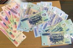 Dùng 3 triệu đồng tiền thật mua 10 triệu đồng tiền giả làm 'mồi' cướp tài sản