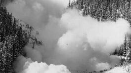 Ngày này năm xưa: Vỡ sông băng, hàng nghìn người thiệt mạng