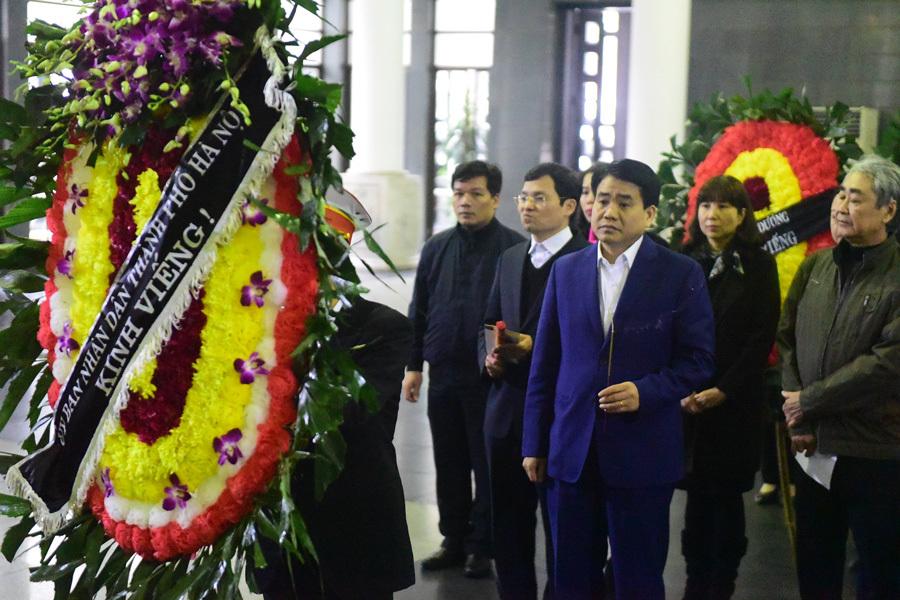 Phó Thủ tướng Trịnh Đình Dũng tới viếng nhạc sĩ Nguyễn Trọng Tạo