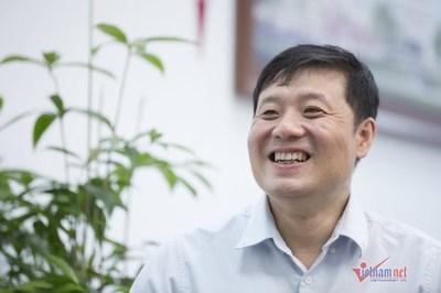 """GS Vũ Hà Văn: """"Chúng tôi không làm phong trào mà hướng đến đội ngũ nghiên cứu tinh hoa"""""""