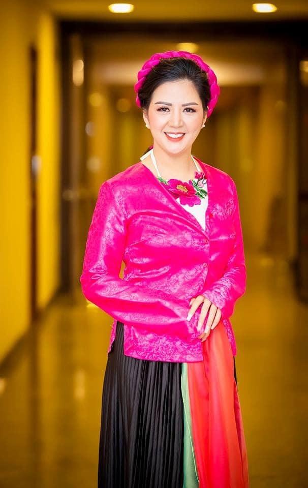 Thân thế ít biết của nữ ca sĩ Đinh Hiền Anh