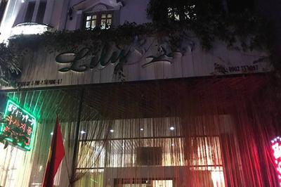 Nhân viên spa ở Sài Gòn bán dâm cho khách Tây