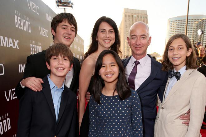 Sau ly hôn, vợ tỷ phú Jeff Bezos sẽ là phụ nữ giàu nhất thế giới?
