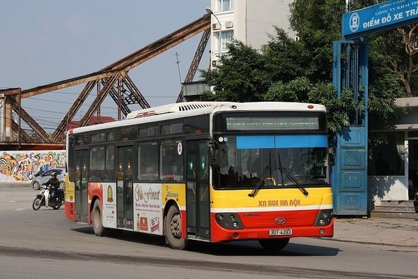 Miên man thắc mắc khi đi xe buýt Hà Nội thời 4.0