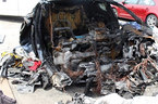Tesla đối mặt với vụ kiện đòi bồi thường vì xe bốc cháy