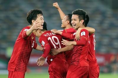 Đội hình Việt Nam đấu Iraq: Xuân Trường, Hồng Duy trả lại vị trí?
