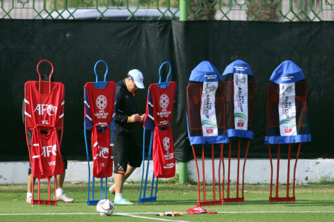 Thầy Park luyện gấp kỹ năng cho Lâm 'Tây' trước trận gặp Iran