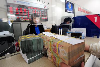 Cận tết diễn biến lạ: Ngân hàng đồng loạt giảm lãi suất