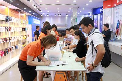 Cuộc đua hạ giá trên thị trường smartphone Việt tháng cận Tết