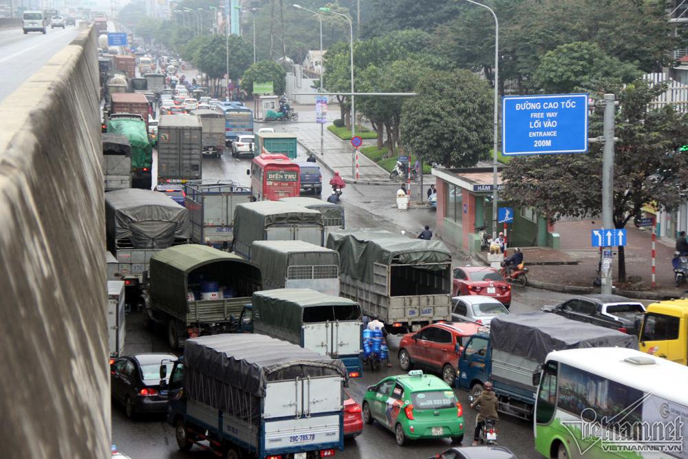 'Xe điên' gây tai nạn: Trường đào tạo lái xe cũng liên đới?